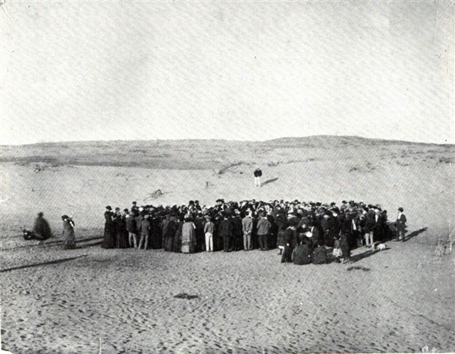 Tel-Aviv_ground_breaking_1909.jpg
